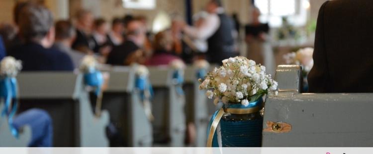 Άφησε την εκκλησία για τον αισθησιακό χορό (photos)